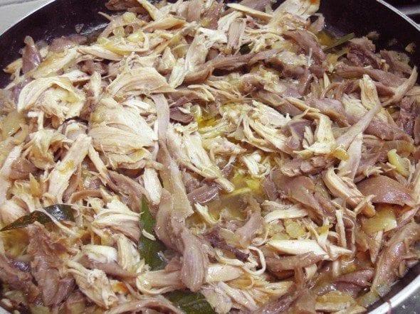Galo escondido no meio do arroz, receita simples
