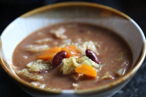 sopa feijão com couve