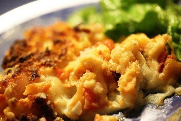 Grafe e Faca Empadão de batata com bacalhau de tomatada.