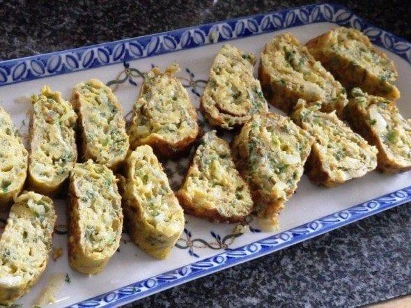 Grafe e Faca Omeleta de cebola e coentros