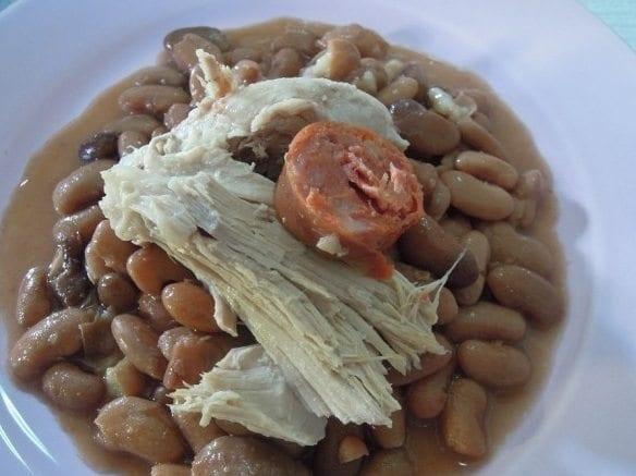 Grafe e Faca Feijão Manteiga assado com carne de porco