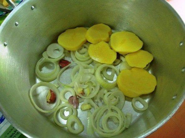 Grafe e Faca Batatas de Coentrada2 batatas de coentrada - Batatas de coentrada (para 8 pessoas)