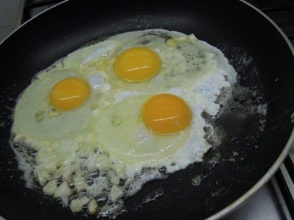 ovos rotos com massa grafeefaca1 ovos rotos com tagliatelle - Ovos rotos com Tagliatelle