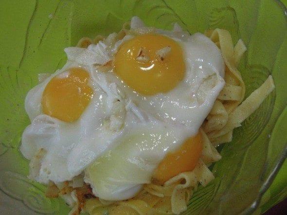 ovos rotos com massa grafeefaca2 ovos rotos com tagliatelle - Ovos rotos com Tagliatelle