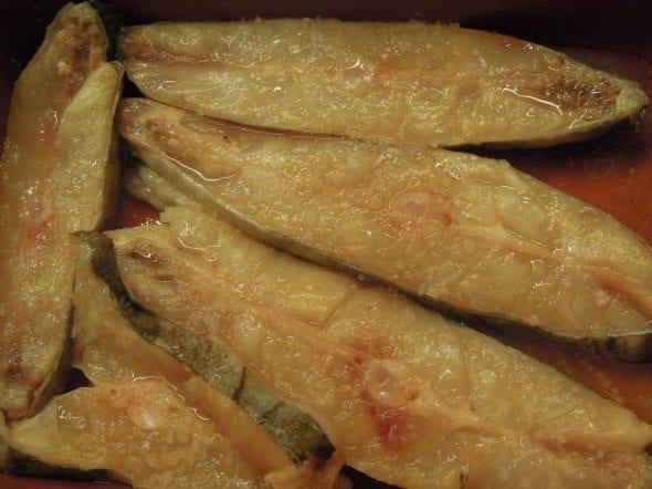 Grafe e Faca Peixe Galo no Forno3 peixe galo no forno Peixe Galo no forno com tomate (4 pessoas) Grafe e Faca Peixe Galo no Forno3 590x442