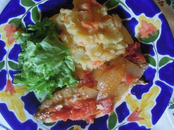 Grafe e Faca Peixe Galo no Forno5 peixe galo no forno Peixe Galo no forno com tomate (4 pessoas) Grafe e Faca Peixe Galo no Forno5 590x442