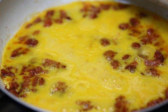 Grafe e Faca  Ovos e mexidos  (5) ovos com chouriço Ovos com chouriço Grafe e Faca Ovos e mexidos 5 590x393