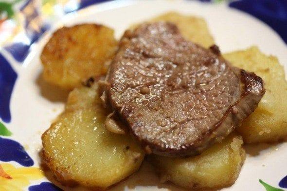 Bife à cortador com batatas salteadas Grafe e Faca