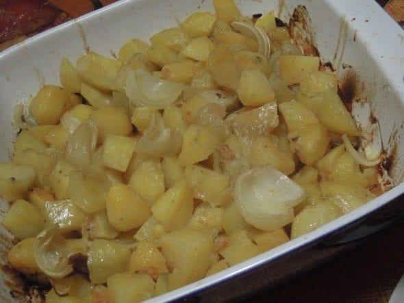 Grafe e Faca Entrecosto no Forno (7) batatas no forno com entrecosto Batatas no forno com entrecosto Grafe e Faca Entrecosto no Forno 7 590x443