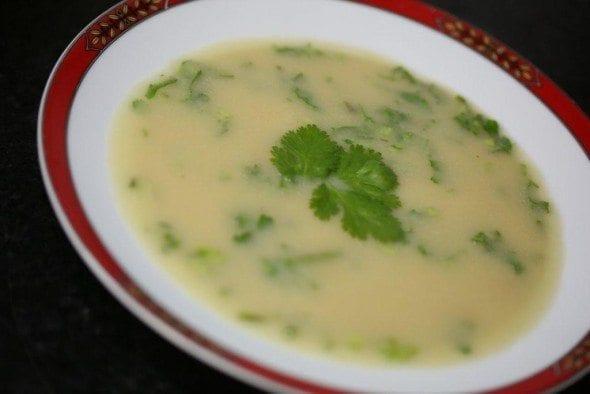Grafe e Faca Sopa de cebola e grão com coentros sopa de cebola e grão com coentros Sopa de cebola e grão com coentros Grafe e Faca Sopa de Cebola Gr 4 590x394