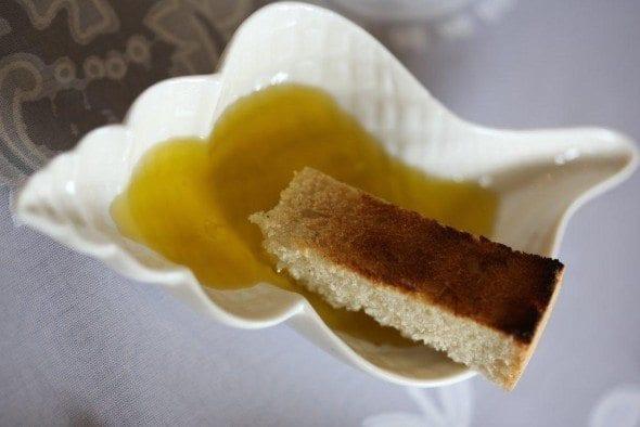 Grafe e Faca Torradinhas com Azeite torradinhas com azeite - Torradinhas com Azeite