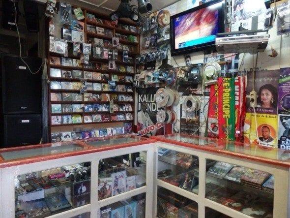 P9230989 dj cabelo A loja de musica do DJ Cabelo P9230989 590x443