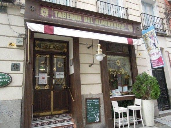 Taberna del Alabardero em Madrid sopa de grão com bacalhau e espinafres Sopa grão com bacalhau e espinafres da Taberna del Alabardero em Madrid DSCN0106 590x443