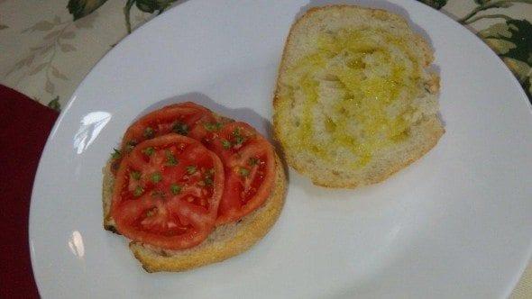 3 torradas com azeite e tomate Torradas com Azeite e Tomate 311 590x332