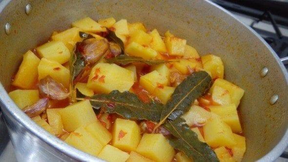 3 batatas estufadas Batatas estufadas 33 590x332