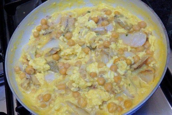4 ovos mexidos de bacalhau com grão Ovos Mexidos de Bacalhau com Grão 49 590x397